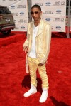 2012-bet-awards-arrivals-15